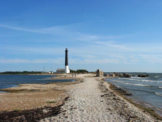 Sõrve_Lighthouse,_Saaremaa_Island,_Estonia